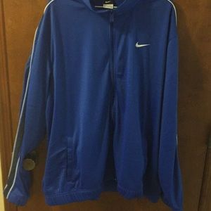 Nike long sleeve zip up jacket. Great condition